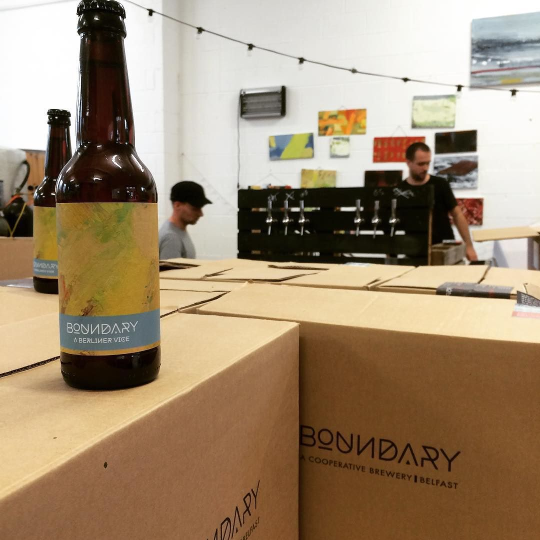 hanging-out-boundarybrewing-today-theres-a-double-ipa-in-the-brew-kettle-for-the-abv16-beer-festival-in-a-few-weeks-time-_brewingwiththebigboys-smellsmaltyinhere-doubleipa-edibleflowerbrews
